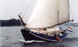 Charter 30' Catherine Sloop in Woudsend, Netherlands