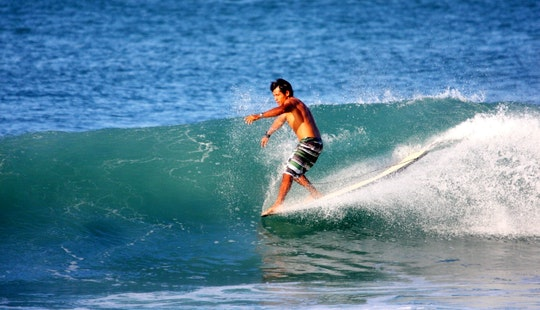 Enjoy Surf Lessons In Mirissa, Southern Province