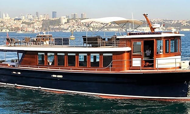 Istanbul Luxury Yacht Charters for 50 Person - Private Events Venue
