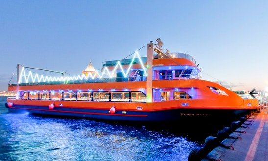Enjoy Dinner Cruise In İstanbul, Turkey