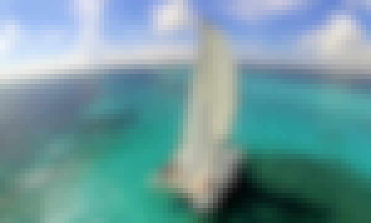 Enjoy the 32' Sailing Catamaran in Cancún, Quintana Roo