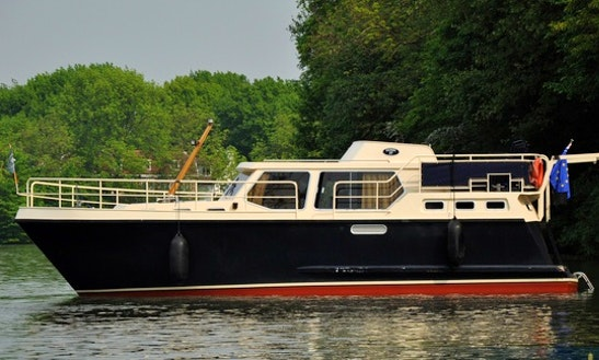 Hire This Two Couples Motor Yacht In Utrecht, Netherlands