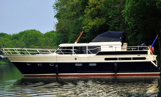 Charter 45' Derby 39 Motor Yacht In Utrecht, Netherlands