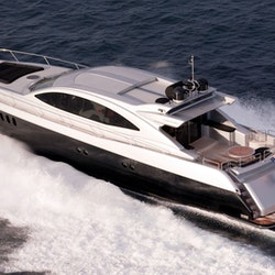 72 39 Motor Yacht Rental In Chicago Illinois Getmyboat