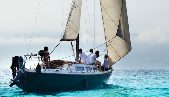 Cruising Monohull Rental For Up To 10 People In Amsterdam