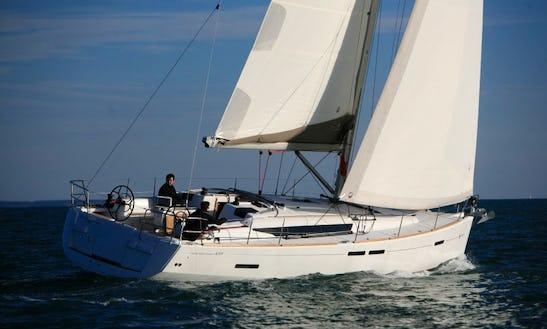 Charter 42' Cruising Monohull In Eivissa, Illes Balears