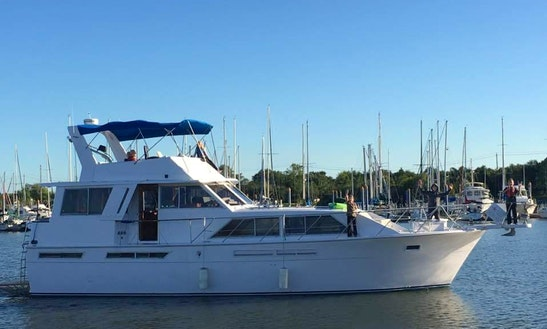 50' Powerboat Sleep Aboard Rental In Clear Lake Near Kemah (with 12' Dinghy)