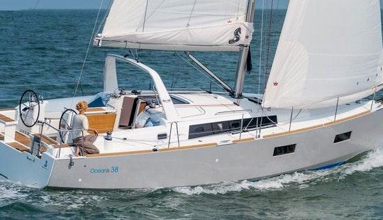 Charter 38' Beneteau Oceanis Cruising Monohull In Athina, Greece
