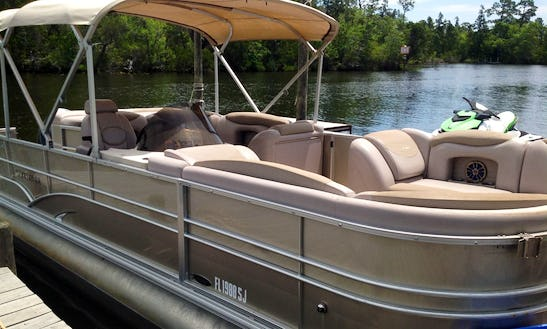 20' Pontoon Rental In Destin / Fort Walton Beach, Florida