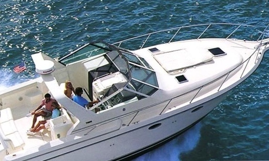 Captained Charter The 36 39 Motor Yacht In Chicago With