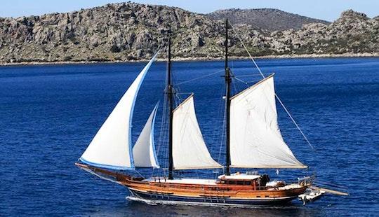 Charter 98' Lady Sovereign Ii Gulet In Herceg - Novi, Montenegro