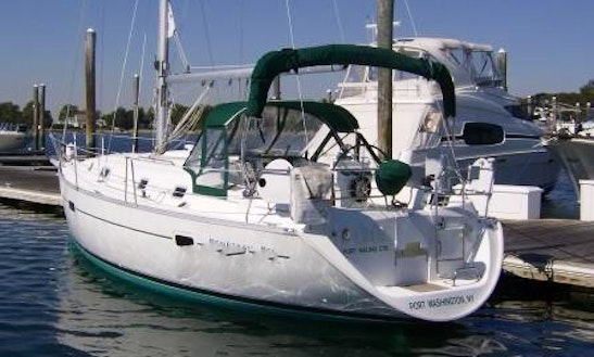 36ft Beneteau  Cruising Monohull Boat Rental In New Rochelle, New York