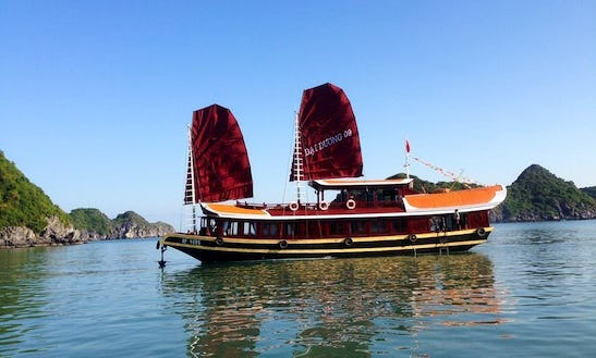 Enjoy Hạ Long, Vietnam By Traditional Junk Boat