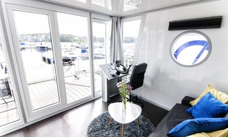 """Luxurious Houseboat """"STANDARD 24 M2"""" Charter in Finland"""
