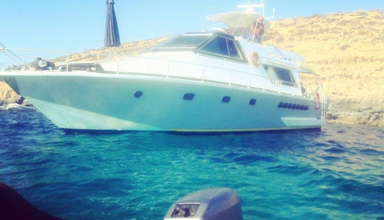 Holiday Afloat On A Very Spacious Motor Boat