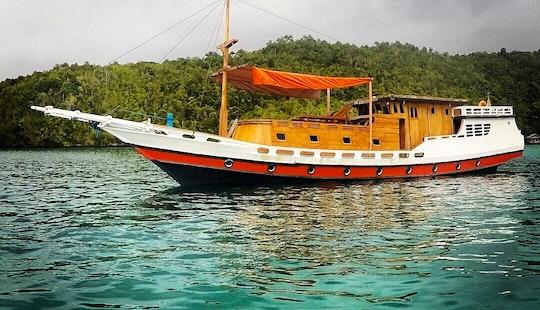 Cruising In Raja Ampat Island