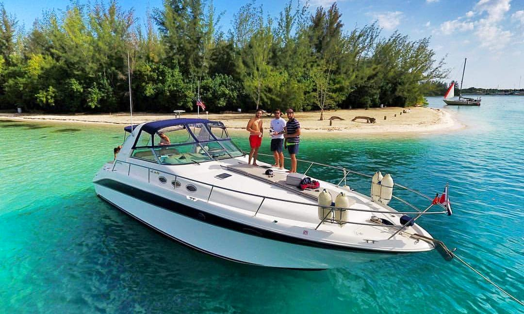 Crusier boat  for rent in Santo Domingo
