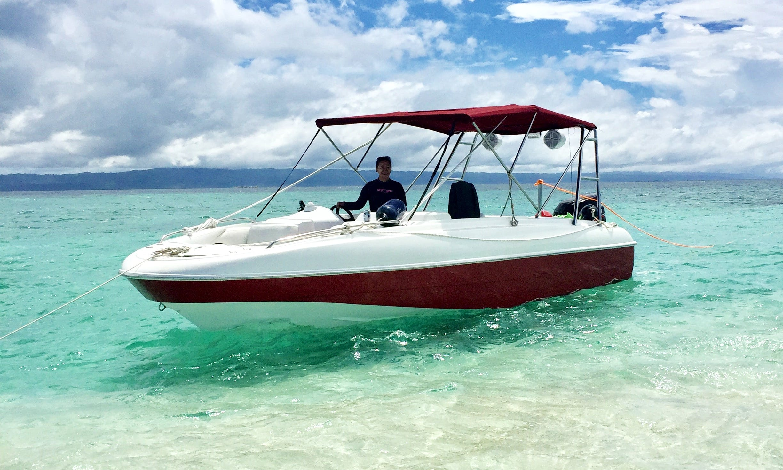27' Bowrider Rental in Cebu, Philippines