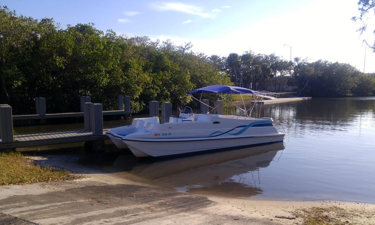 26ft Power Catamaran Boat Charter in Vero Beach, Florida