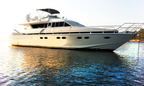 Motor Yacht Rental In Athens