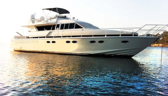 Motor Yacht Rental In Athens