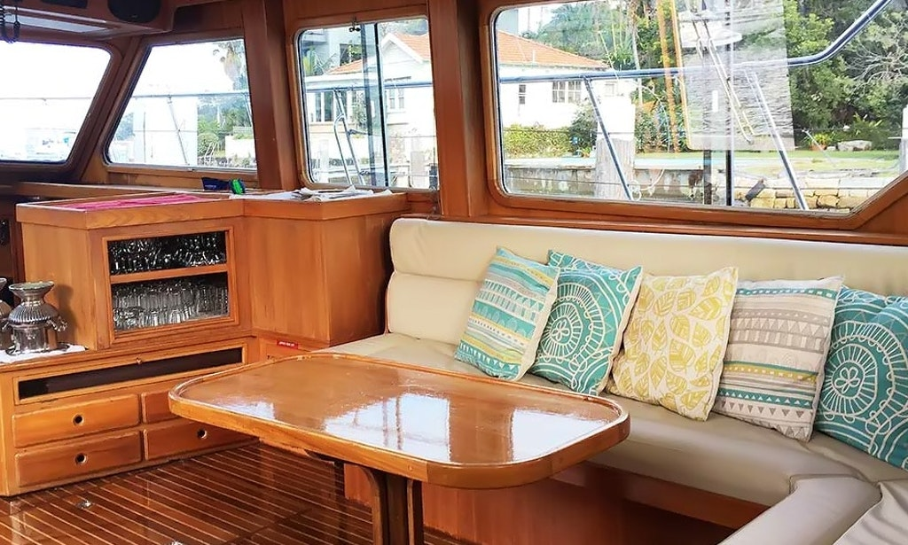 Charter the 52ft ambiance power mega yacht in sydney for Ambiance australia
