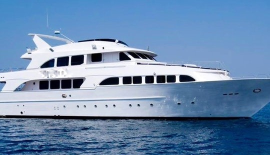 Diving In Hurghada-m/y Aphrodite