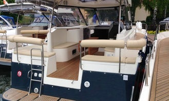 34' Houseboat Charter in Wilkasy, Poland