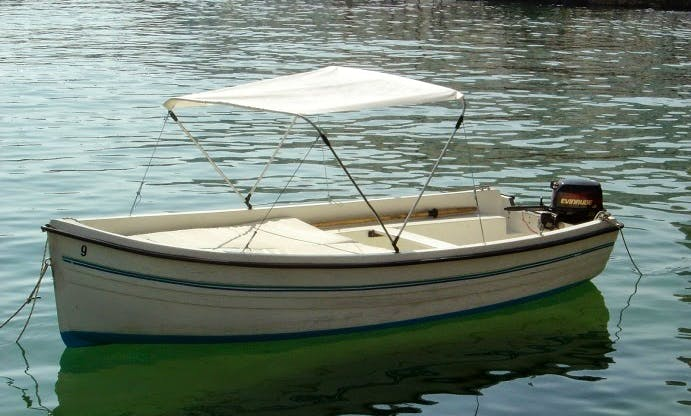 Rent 17' Dinghy in Ponza, Italy