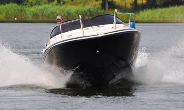 Hire the 20' Viva Cabin Motor Boatin Wilkasy, Poland