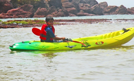 Enjoy Single Kayak Rentals In Baga, Goa