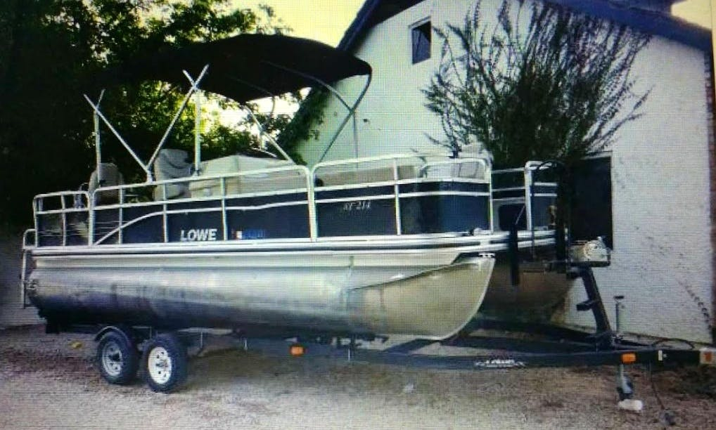 Rent this 2014 Lowe Pontoon Boat in Mesa, Arizona