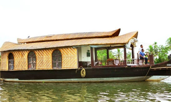 Rent A Single Bedroom Houseboat In Alappuzha, Kerala