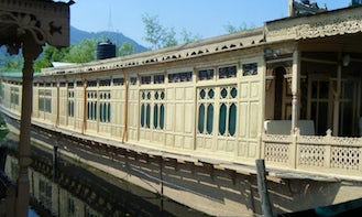 Experience a Comfort on a Houseboat in Himachal Pradesh, India