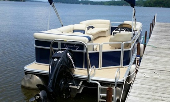 23' Pontoon Rental In Rochester, New York