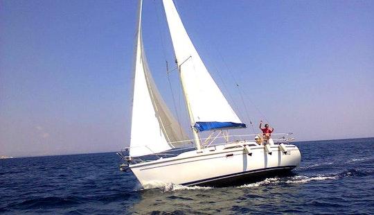 Catalina 320 Sailing Yacht - 12 Capacity For Day Cruise In Saint Julian's, Malta