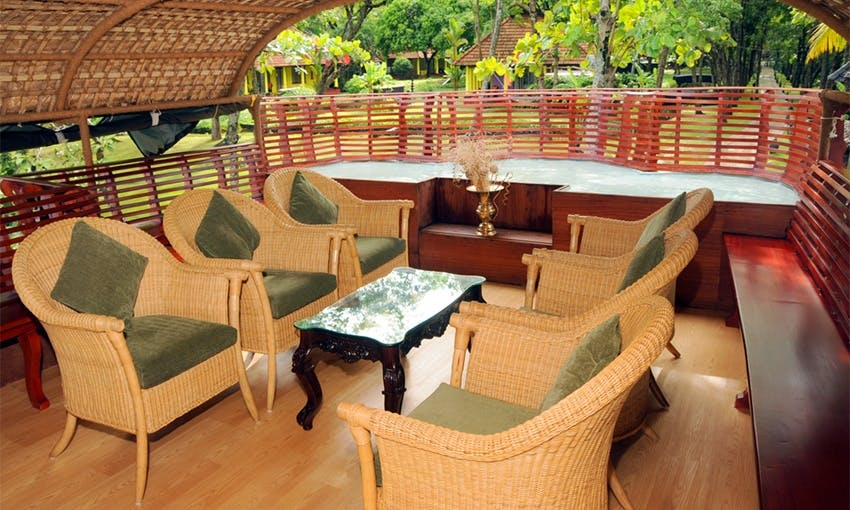 Enjoy the experience of a lifetime in Kerala, India on a Houseboat