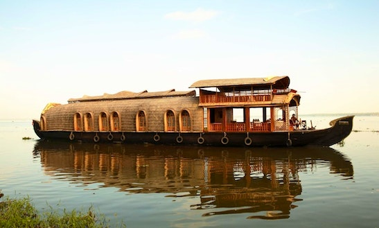 Experience A Unique Vacation Experience In Kerala, India