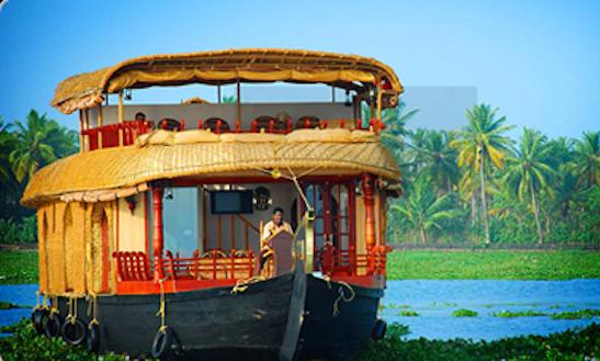Rent A Houseboat In Kumarakom, Kerala For 4 Pax