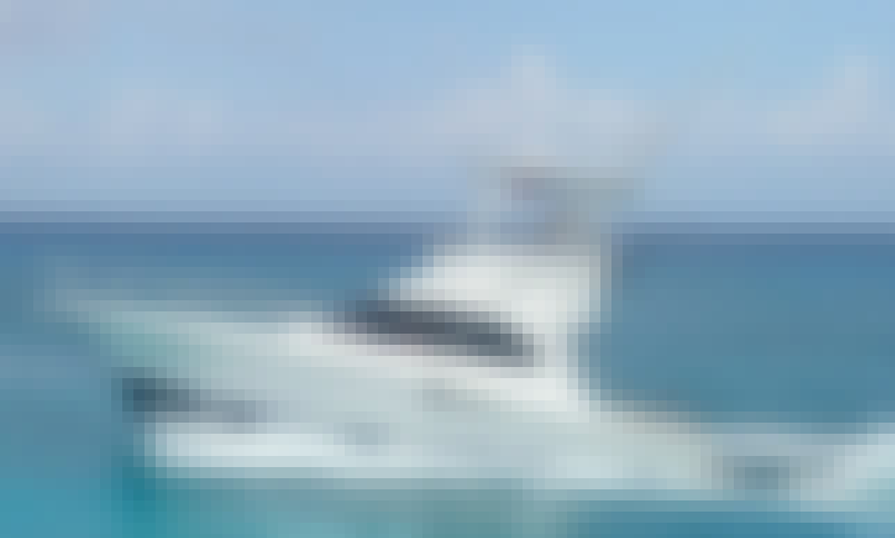 """Charter 32ft """"Montze"""" Lurhs Convertible Motor Yacht In San Miguel, Mexico"""