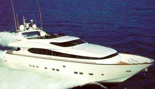 Charter 85' Maioa Power Mega Yacht In Rome, Italy