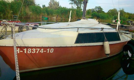Rent 18' Pinch Cruising Monohull In Velence, Hungary