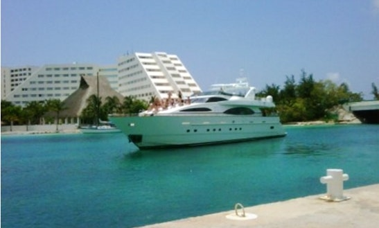 Crewed Charter On 100' Azimut  Luxury Yacht In Cancún, Quintana Roo