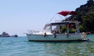 Charter a 11 Person Fiberglass Tradition Boat in Paraty, Brazil