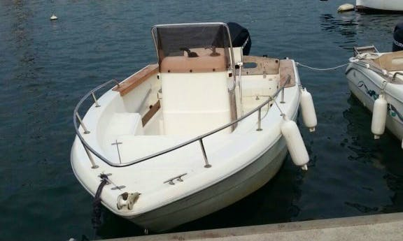 Rent a Center Console and go Fishing in La Spezia, Italy