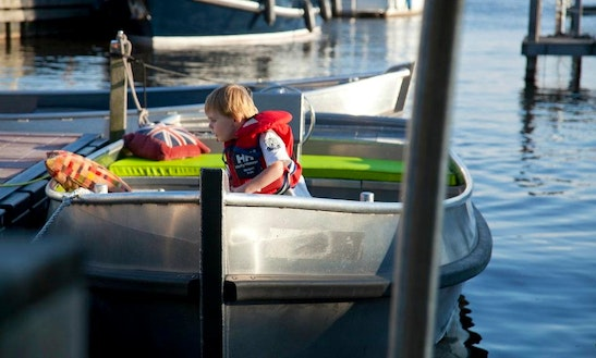 Rent An Electric Boat In Loosdrecht, Noord-holland