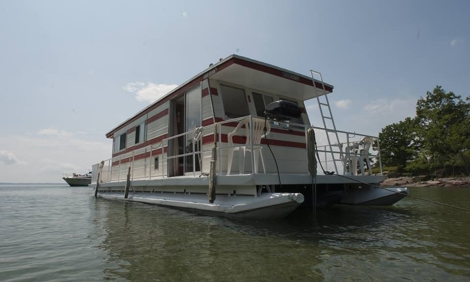Rent The 38ft Houseboat For 6 Adults In Gananoque Ontario