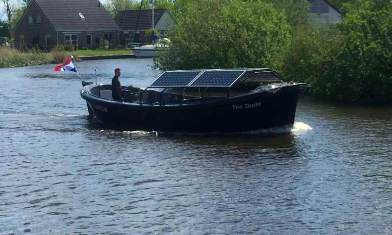 """Rent the """"KIN40"""" Electric Sloop in Amsterdam, Netherlands"""
