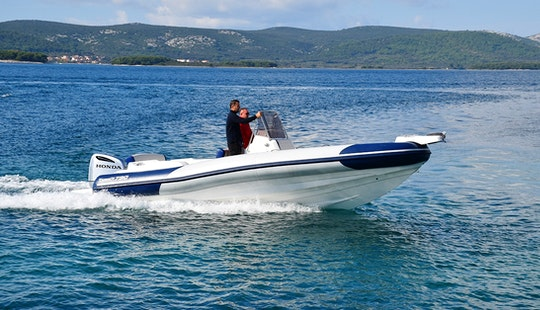 Rent 26' Marlin 790 Rigid Inflatable Boat In Mali Lošinj, Croatia