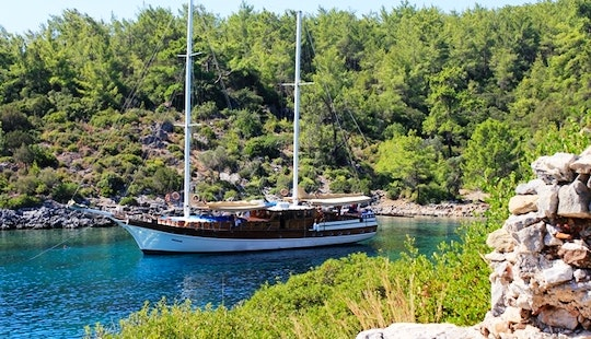 Charter A 2012 Beautiful 16 Person Wooden Turkish Gulet In Muğla, Turkey!